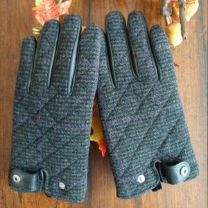 Classic Ralph Lauren Wool Tweed & Leather Gloves